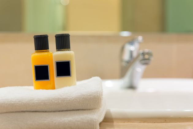 Holiday Inn To Remove Mini Toiletries From Its Hotels – This Is Why
