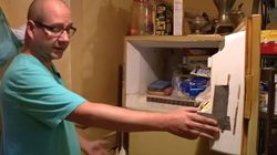 Ενα κουτί κρυβόταν στον καταψύκτη της μητέρας του για 37 χρόνια και όταν πέθανε είπε να το