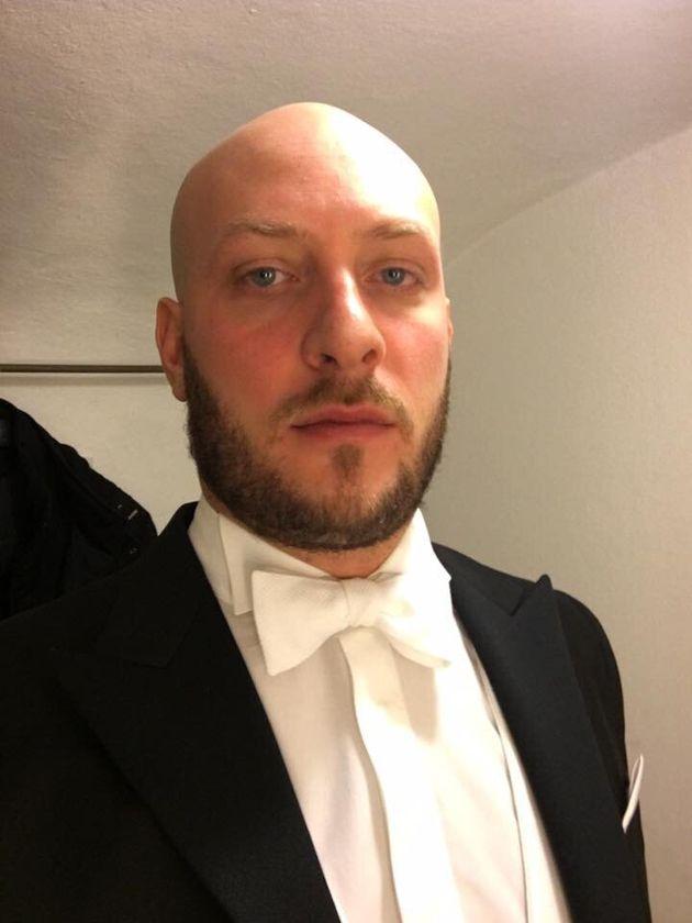 Direttore d'orchestra perseguitato dalla cantante lirica: