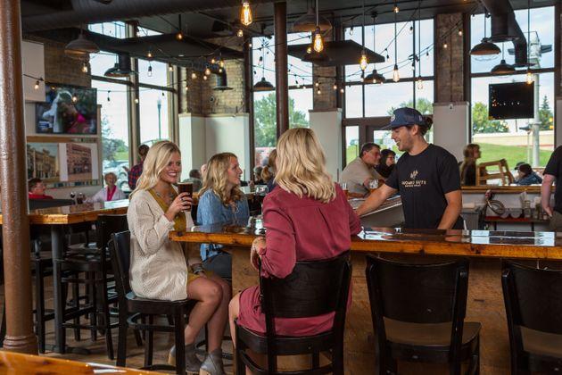 Agosto a tutta birra nel Midwest americano, tra campi di grano e bufali da