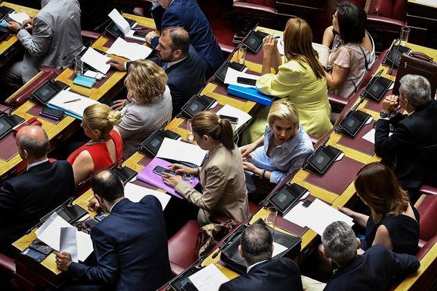 Άρση της ασυλίας Πολάκη ψήφισαν οι
