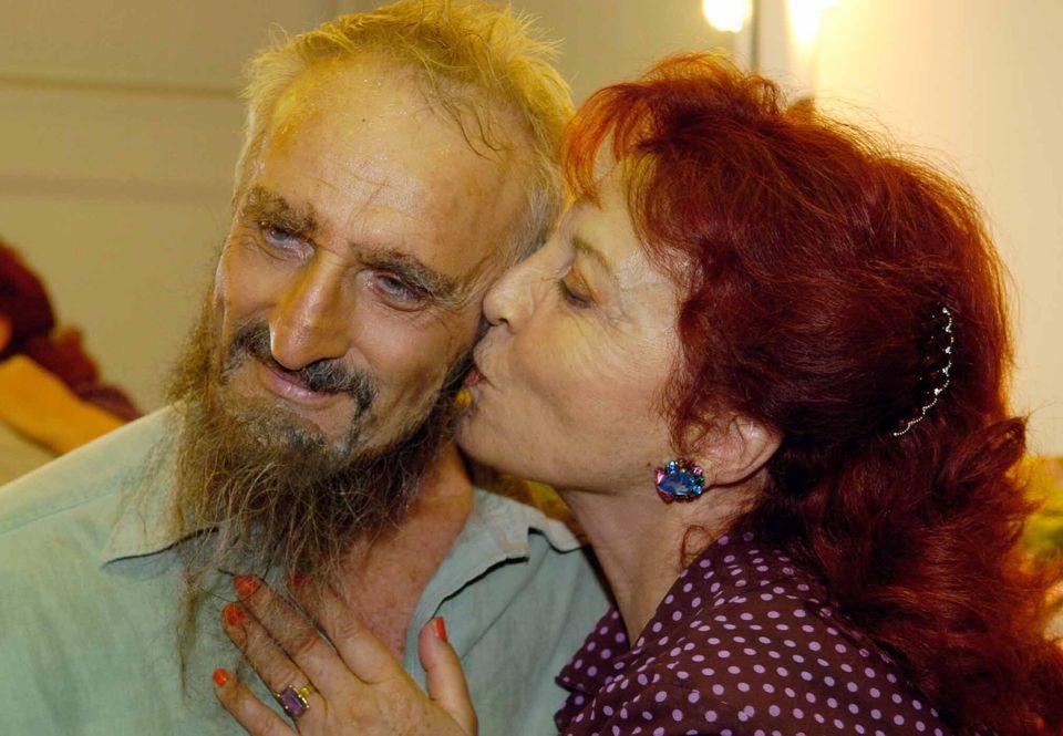 Νικήτας Τσακίρογλου: Το θέατρο είναι μοναστική