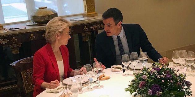 Sánchez recibe a Von der Leyen en Moncloa para hablar