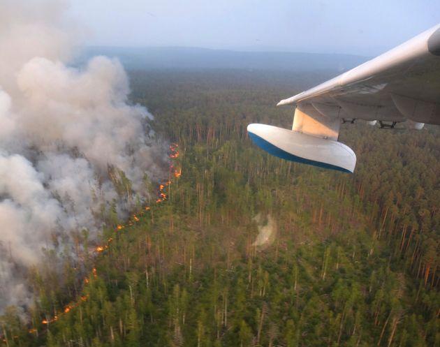 Ανεξέλεγκτη η κατάσταση με τις φωτιές στη Σιβηρία - Στη μάχη της κατάσβεσης και ο