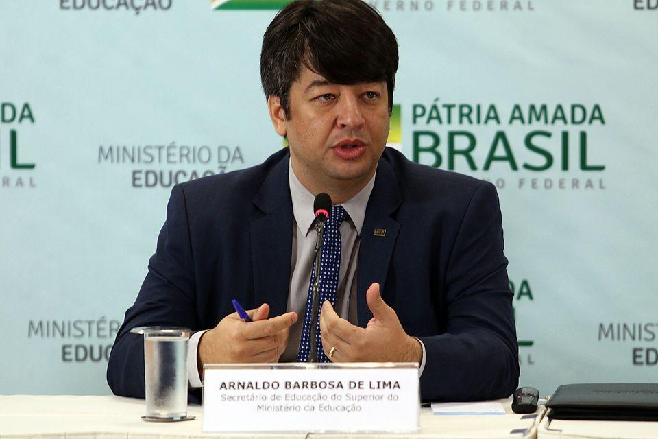Antes de assumir a vaga no MEC, Arnaldo Barbosa de Lima Junior participou da reformulação...