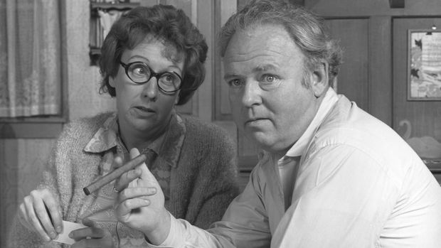 """LOS ANGELES - OCTOBER 26: Jean Stapleton as Edith Bunker and Carroll O'Connor as Archie Bunker in """"All In The Family."""" Image dated October 26, 1971.  (Photo by CBS via Getty Images)"""