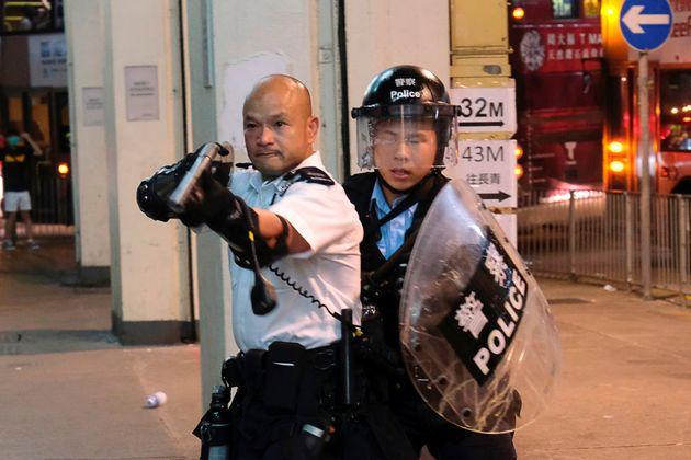 홍콩 시위대 44명이 '폭동죄'로 기소됐다. 최대 징역 10년형을 받을 수
