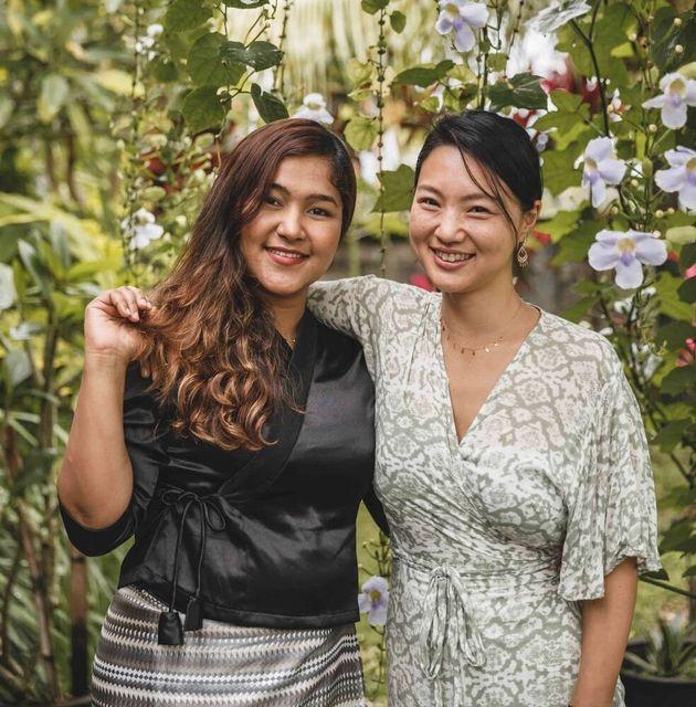 ウェイウェイさん(左)とアースカンパニー代表の濱川明日香さん
