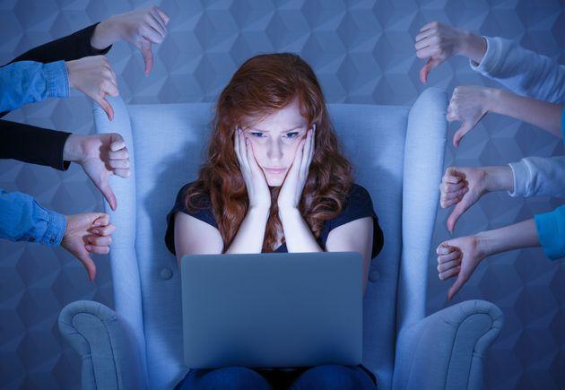 La beneficenza su Facebook e i sensi di