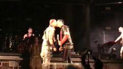Il bacio gay dei Rammstein a Mosca è un chiaro messaggio a Putin