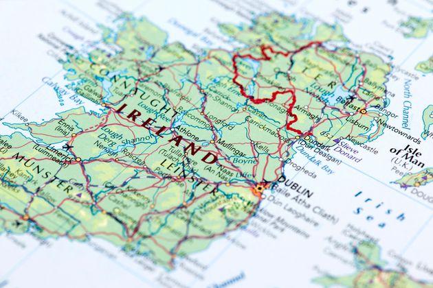 전문가들은 '노딜 브렉시트'가 북아일랜드와 아일랜드에 심각한 경제적 타격을 입힐 것이라고 본다. 정치적 합의와 활발한 무역으로 유지되어 온 아일랜드섬의 평화가 위협 받을 수 있다는...