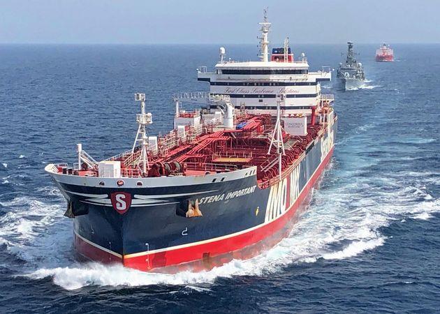 L'Italia stia fuori dalla missione navale nel Golfo, faccia da