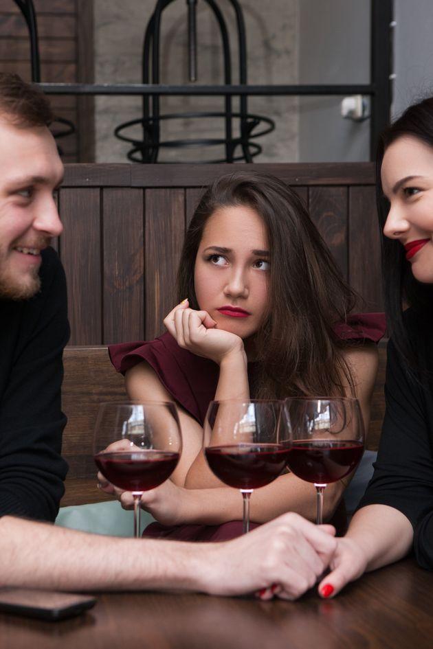 Être le seul célibataire en vacances avec des couples, l'envers du
