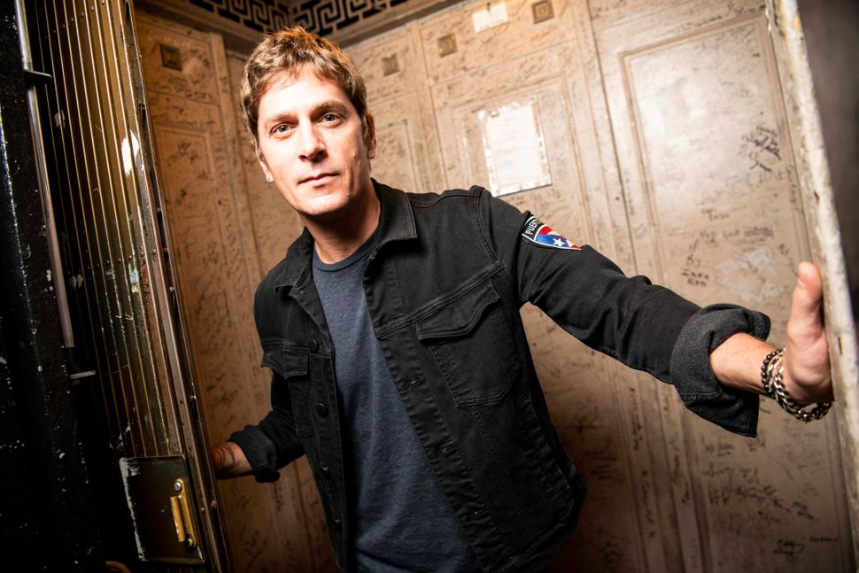 """Matchbox Twenty frontman Rob Thomas is currently on tour in support of his fourth solo album, """"Chip Tooth Smile."""""""