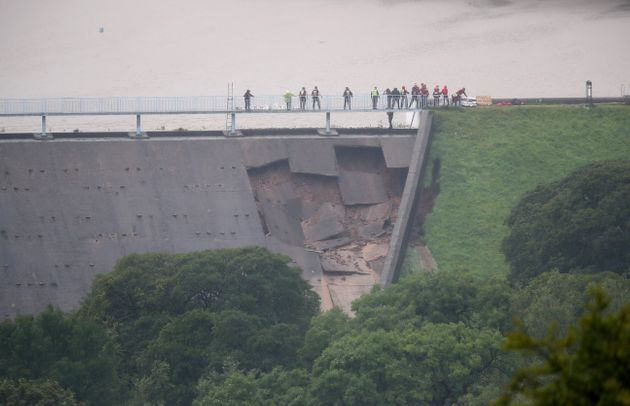 Derbyshire Dam Emergency: Massive Flooding Warning As Firefighters Desperately Try Limit Damage