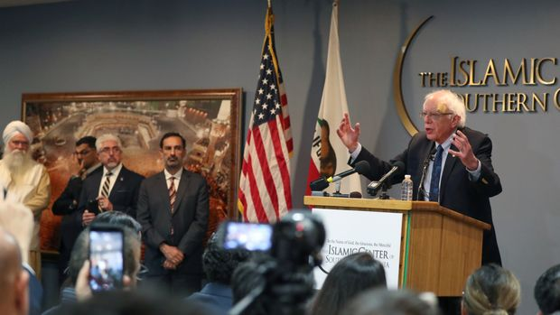 Democratic U.S. 2020 presidential candidate Bernie Sanders speaks after meeting with interfaith leaders at the Islamic Center of Southern California in Los Angeles, California, U.S., March 23, 2019.  REUTERS/Lucy Nicholson