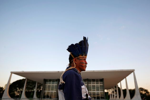 Demarcação de terras indígenas fica na Funai, decide