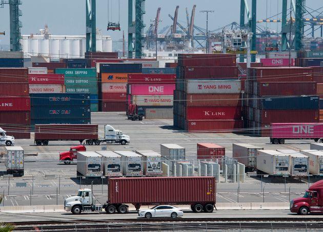 '협상이 너무 더디다' : 트럼프가 중국산 제품 추가 관세 부과를