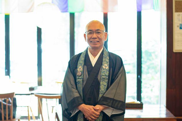 三浦性曉(みうら・しょうきょう)さん:僧侶歴48年、寺院住職歴23年で、これまで40年間全国で講演活動をしてきている。僧侶ら十数名と2013年の「寺カフェ代官山」オープンにたずさわり、現在も同店で悩める人々の話を聞いている。