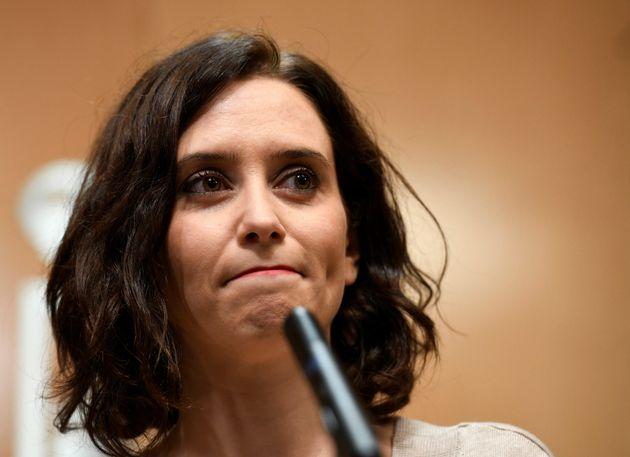 Ayuso critica que el PSOE vea a su socio Vox como