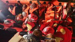 Open Arms rescata a 123 personas en el Mediterráneo y busca puerto seguro para