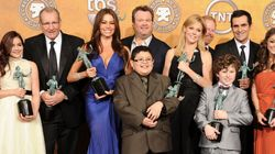 SPOT THE DIFFERENCES: 'Modern Family' Stars Recreate Cast Photo 10 Years