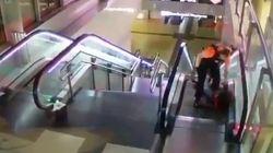 Due vigilantes hanno picchiato e trascinato un migrante per la metro di Madrid