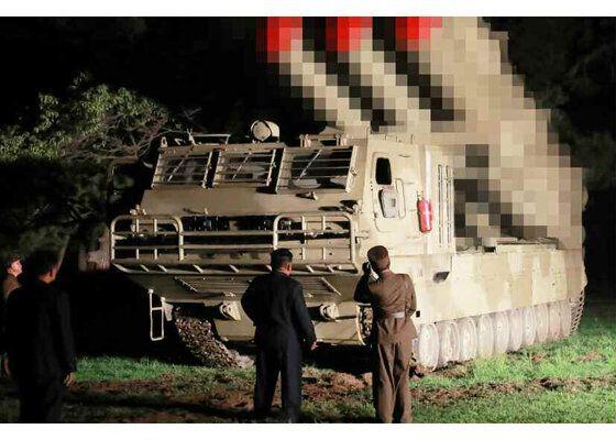 북한 노동신문은 3일 김정은 국무위원장의 지난 2일 발사체 시험 발사 참관 소식을 전하며