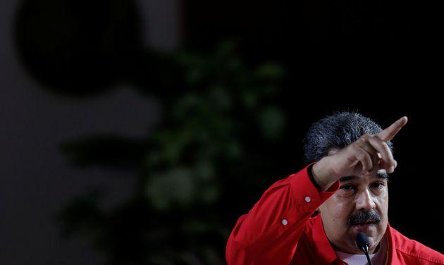 Ο Τραμπ απειλεί τη Βενεζουέλα με εμπάργκο και ο Μαδούρο απειλεί να τον καταγγείλει στον