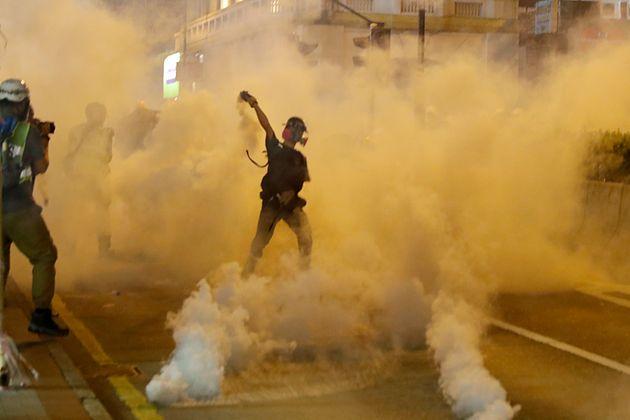 Σε δεκάδες συλλήψεις προχώρησε η αστυνομία στο Χονγκ