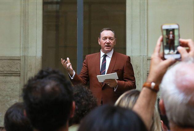 Kevin Spacey réapparaît à Rome en public pour la première fois