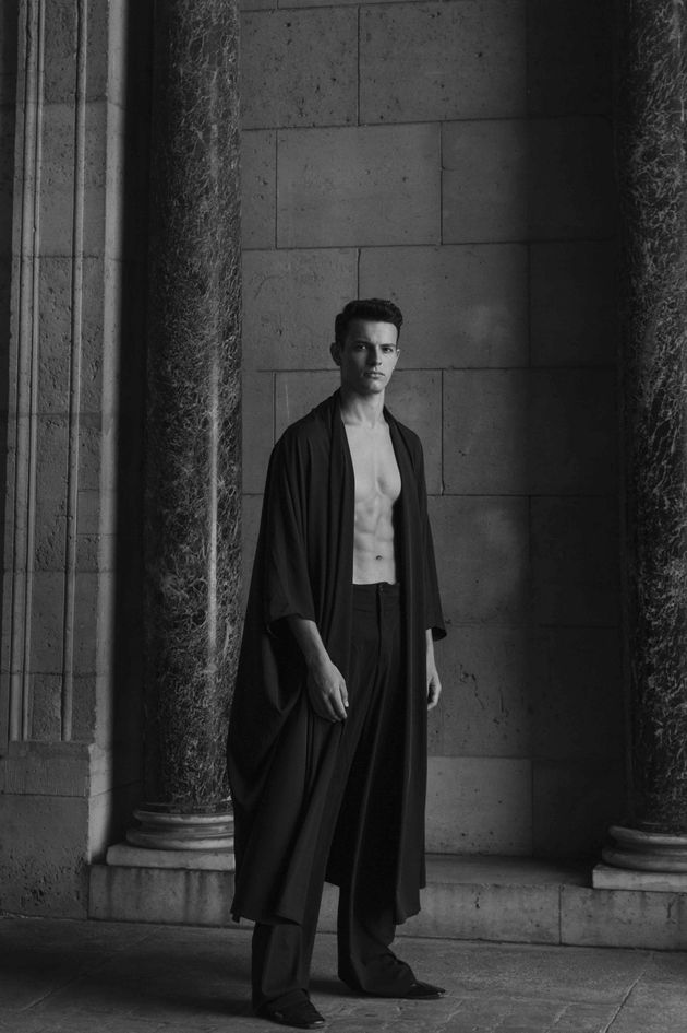 Model : Marwan Al