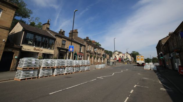 Residents Risking Lives By Refusing To Leave Whaley Bridge, Warn Police