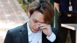 '1억원대 손배소 피소' 박유천 변호인단이 전원