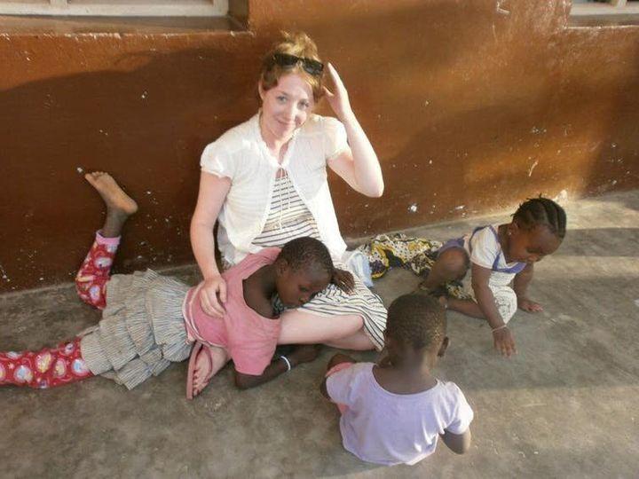 Les volontaires, ici au Kenya, s'impliquent dans de très nombreux secteurs, santé, soin, éducation… sans forcément avoir les connaissances pré-requises.