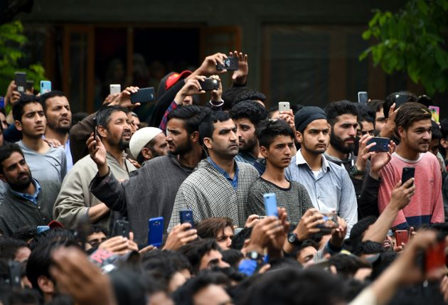 Kashmir: Total Internet Shutdown Means Its People Don't Have A