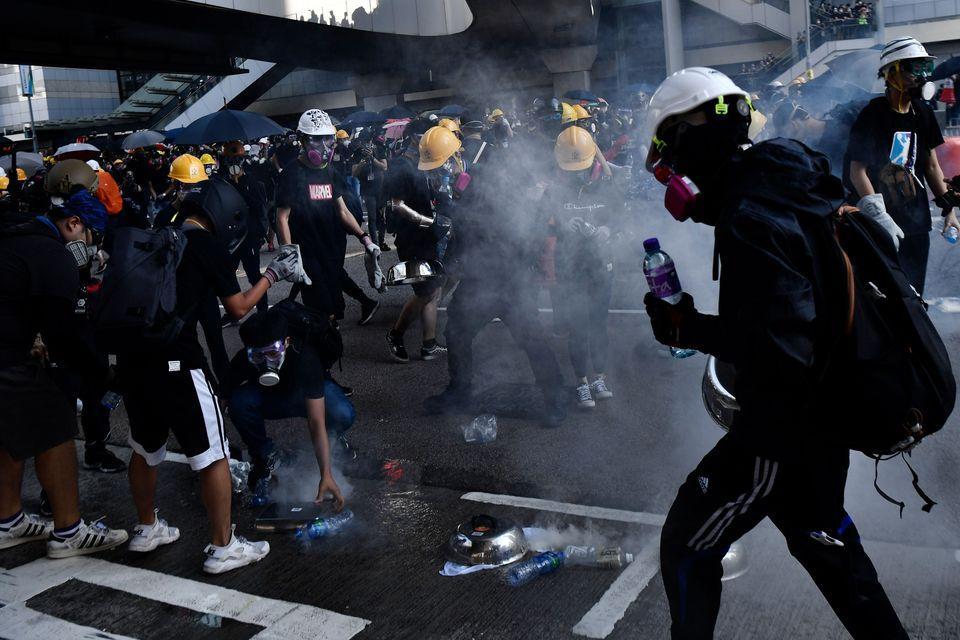 Χονγκ Κονγκ: Η κυβέρνηση κατηγορεί τους διαδηλωτές για αμφισβήτηση της κυριαρχίας της