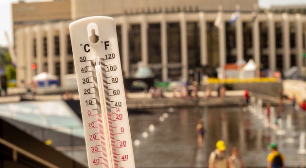 Les bassinsd'eau de l'Esplanade de la Place des Arts ont été très populaires...
