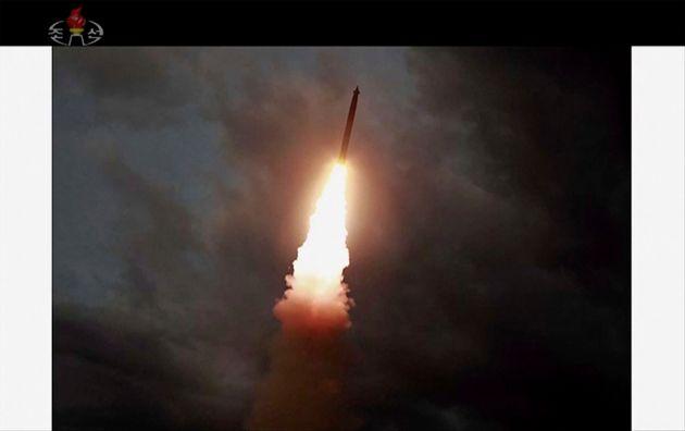 지난 1일 북한 조선중앙TV가 보도한 발사체 발사