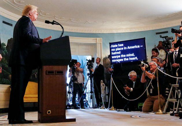 트럼프가 백인우월주의를 규탄했다. 자신의 책임을 인정하지는