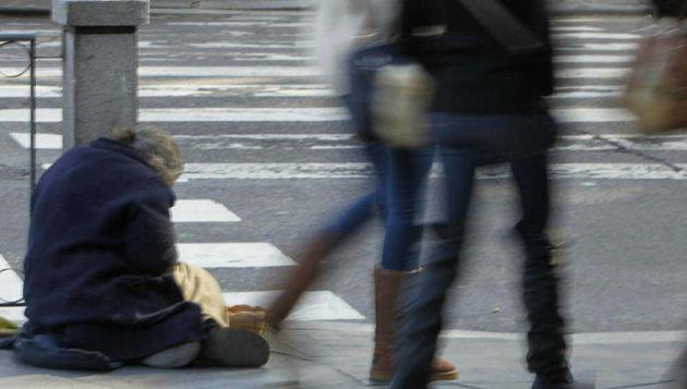 Una ciudad sueca exige el pago de una licencia para poder mendigar en sus