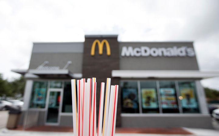 L'entreprise a jeté 1,8 million de pailles en plastique chaque jour, depuis la mise en place de cette initiative écologique