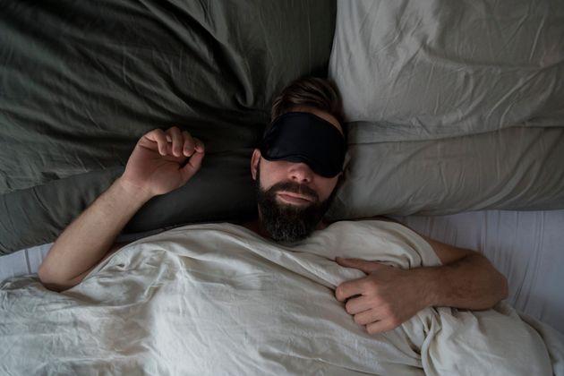 Parler dans son sommeil? Voici tout ce qu'il faut savoir sur ce