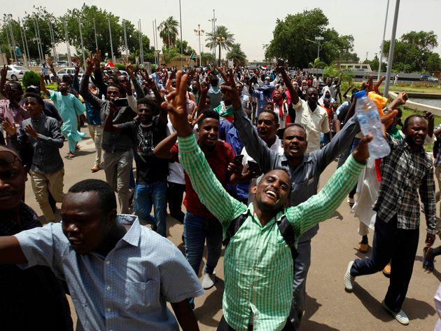Le Soudan évite le chaos grâce à un