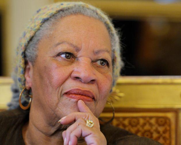 En 2010, Toni Morrison avait était faite chevalier de la Légion d'honneur par le ministre...