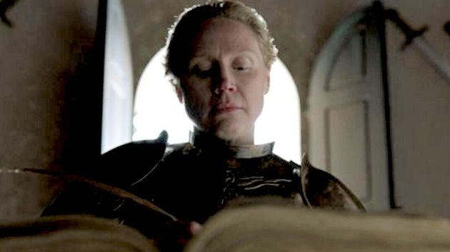 Gwendoline in character as Brienne of