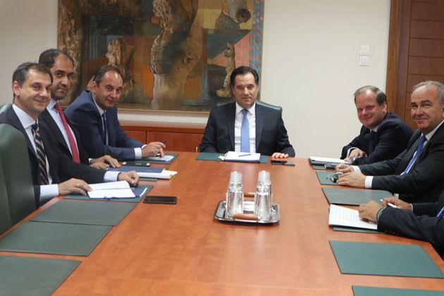 Πρώτη φορά στο «τραπέζι» τέσσερις υπουργοί για τα