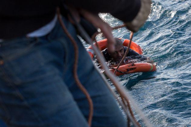 Un dl sicurezza bis pieno di buchi: sbarchi fantasma ad Agrigento e