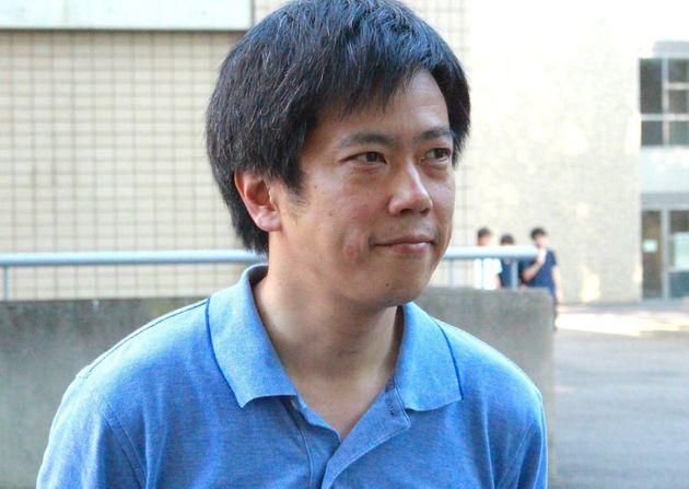 取材に応じる曽我部真裕・京都大大学院教授