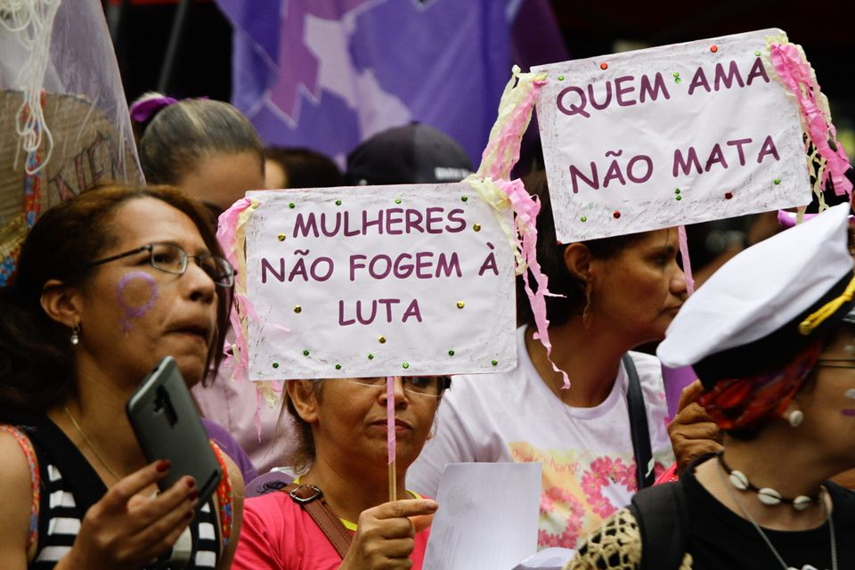 Lei Maria da Penha, desde 2006, permite que vários tipos de violência contra a mulher sejam...